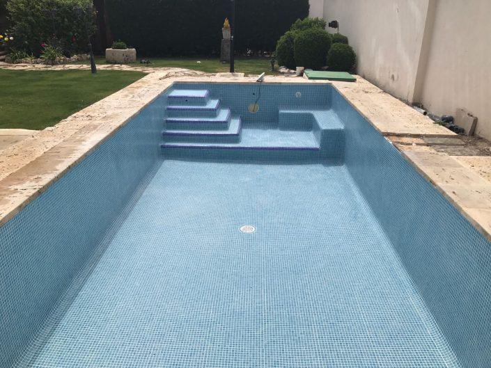 Adaptaci n rehabilitaci n y reforma construcci n de for Construccion de piscinas en lima