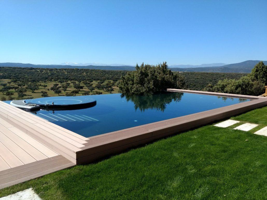 En POOLS CW somos profesionales en construcción de piscinas particulares en Cantabria, Madrid y Canarias