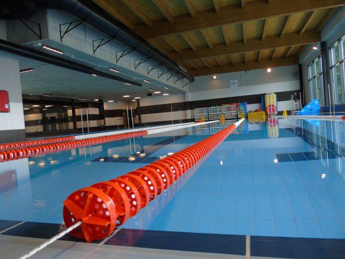 Centros deportivos y piscinas públicas