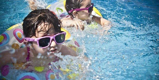 El CSIC elaborará el protocolo con las medidas para poder abrir playas y piscinas este verano