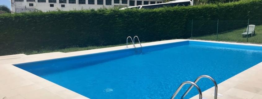 construccion de piscina en urbanizacion en cantabria la torre (1)